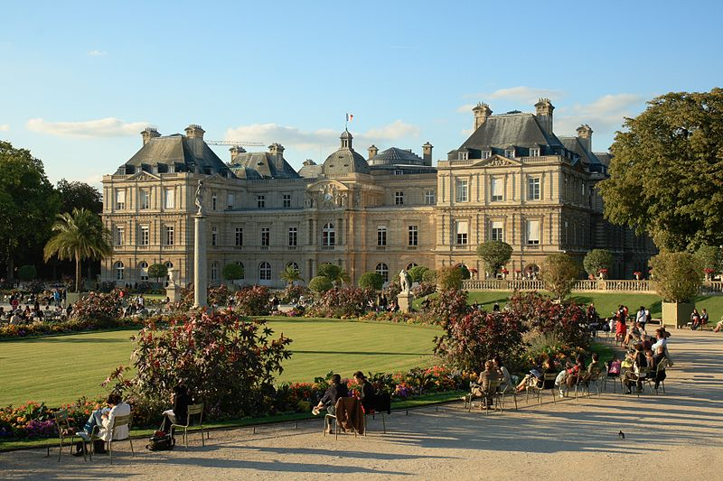 The palace of Luxembourg (Paris) at sunset by Benh (2007) Source: Wikipedia